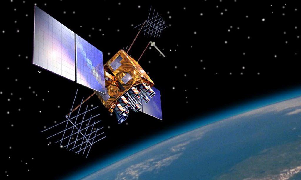 GPS-satellit i omloppsbana runt jorden.