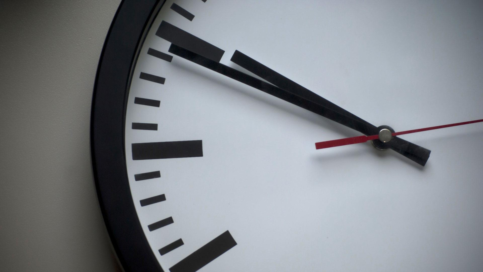 Närbild på en klocka